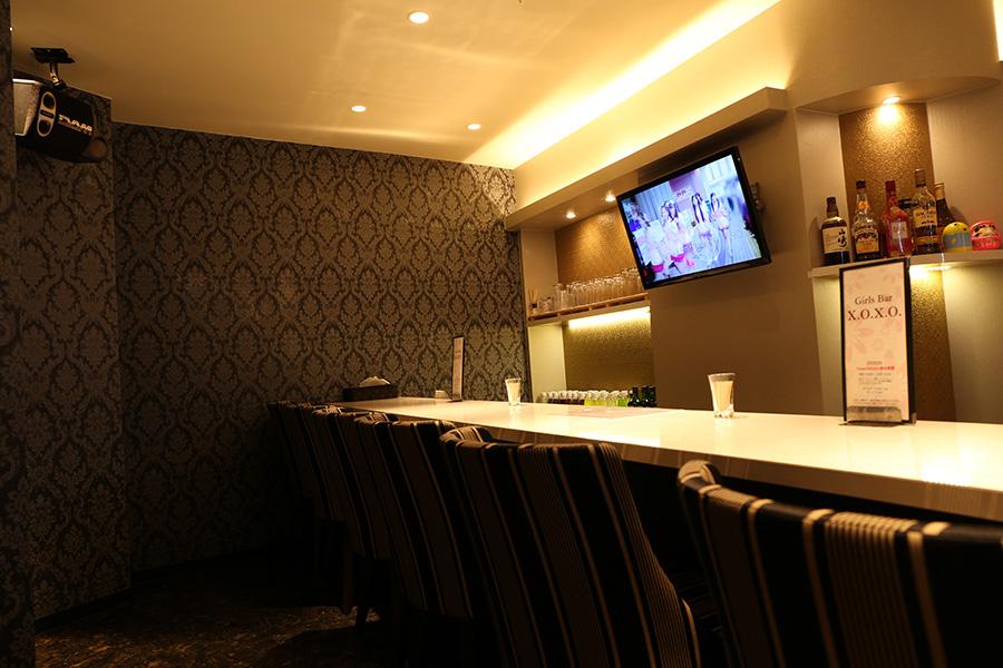 本庄ガールズバー「Girls Bar X.O.X.O」店内写真