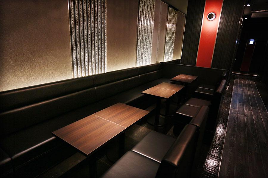 高崎キャバクラ「club BIRTH -Imperial lady club-」店内写真