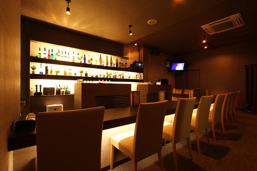 伊勢崎市のガールズバー「ラフテル」店内写真