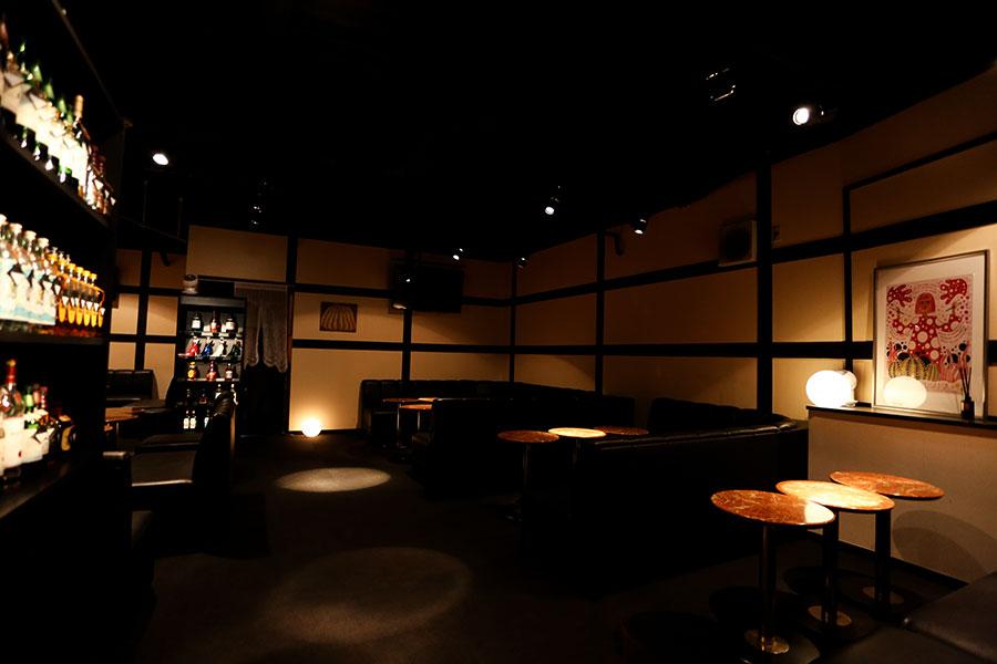 本庄の熟女パブ・スナック「SHARURU シャルル」店内写真